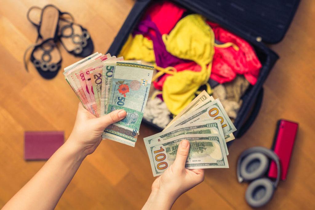 salvar dinheiro para viajar o mundo (1)