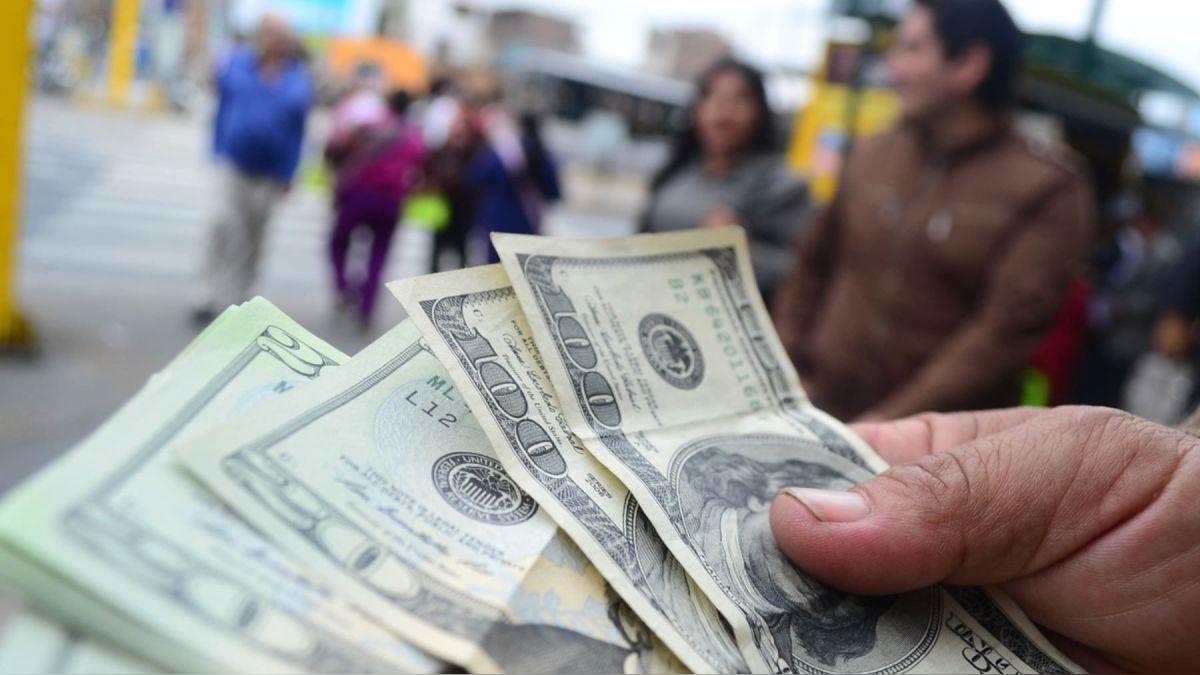 Como viajar quando o dólar está caro