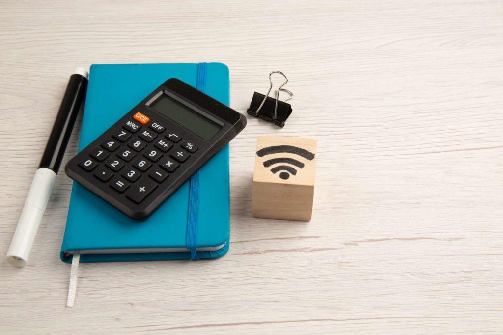 O que levar em conta antes de comprar um roteador wifi para a empresa